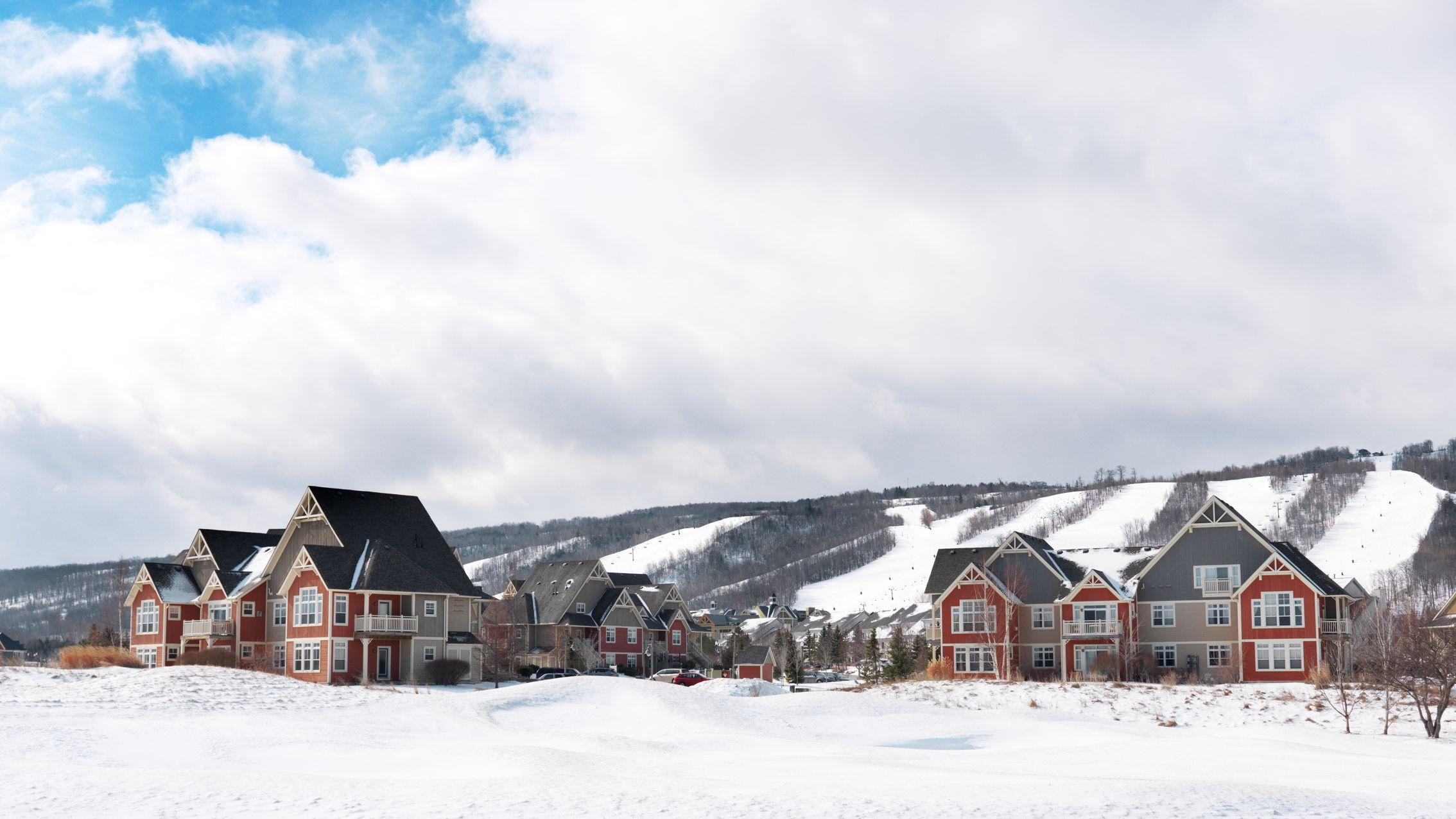 The 8 Best Places to Ski Near Toronto