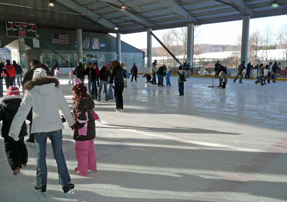 Simsbury Farms Skating in CT