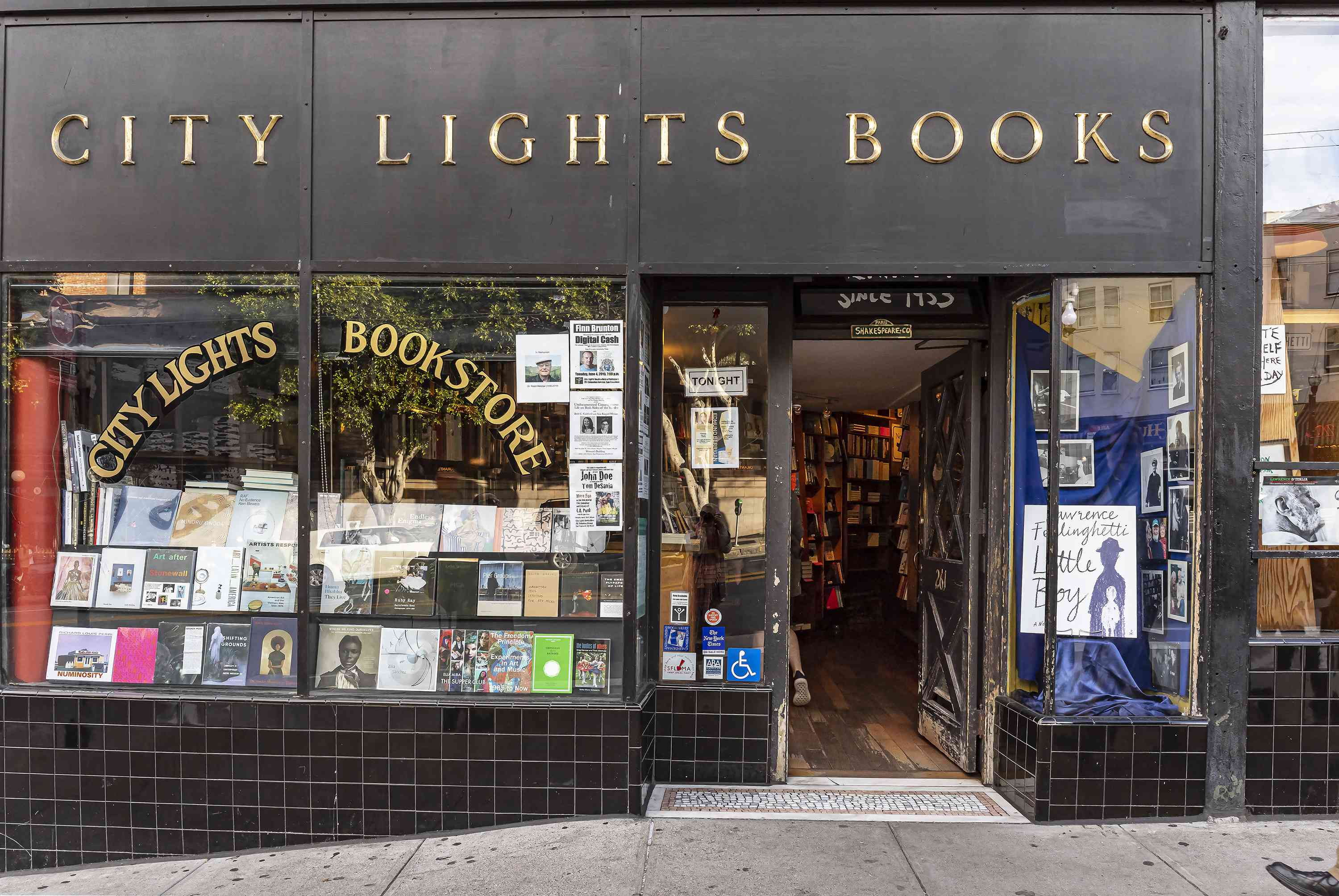 The entrance of City Lights Books