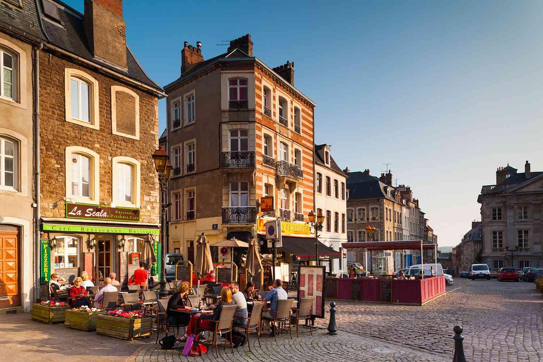 France, NordPas de Calais Region, Boulogne sur Mer, Haut Ville, Upper City, Place Godefroy de Bouillon