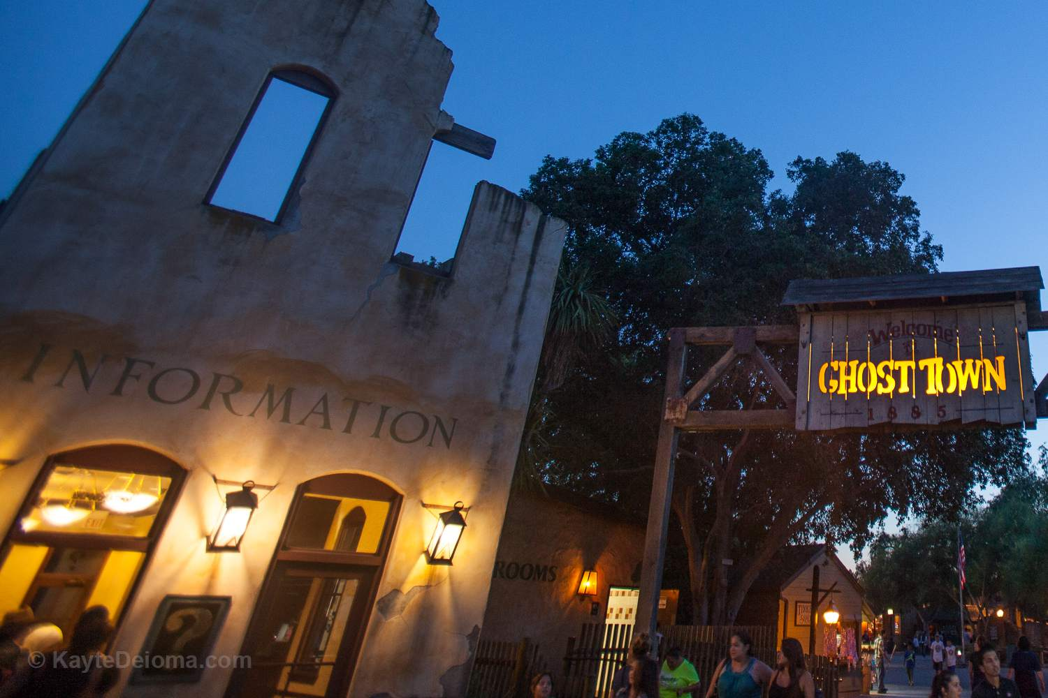 Information Office at Knott's Berry Farm