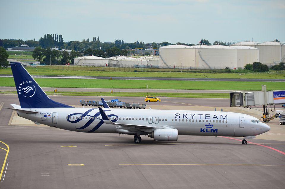 Skyteam KLM Boeing 737 Schiphol airport Amsterdam 4f39f56e6b55f