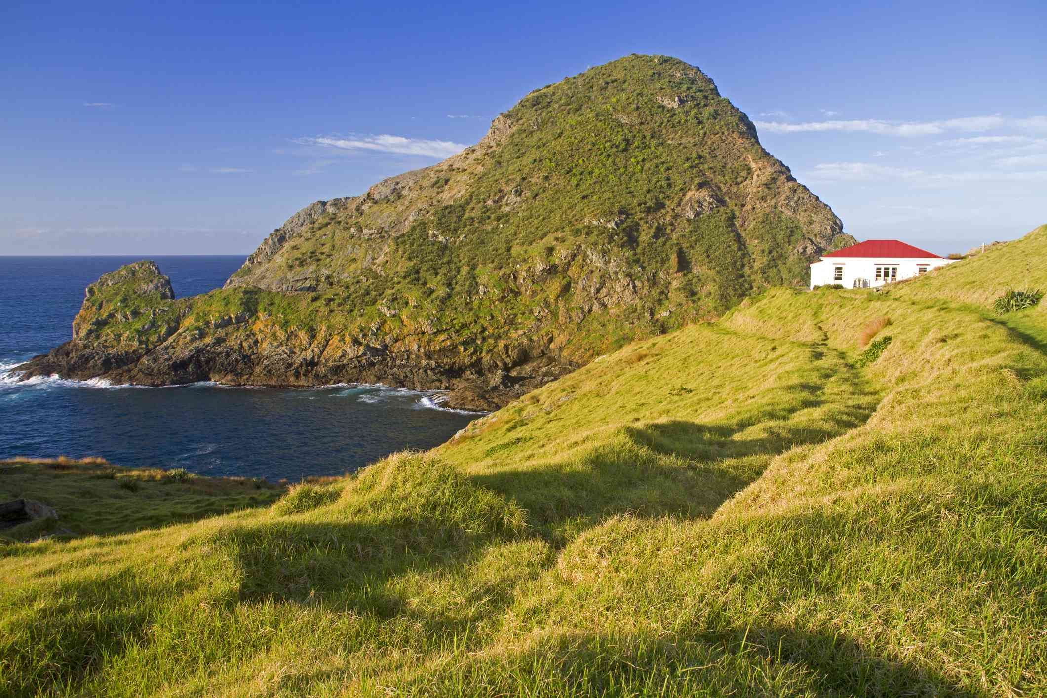 Lighthouse keeper's cottage turned hikers' hut at Cape Brett