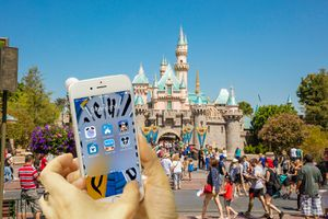 Using Apps on an iPhone at Disneyland