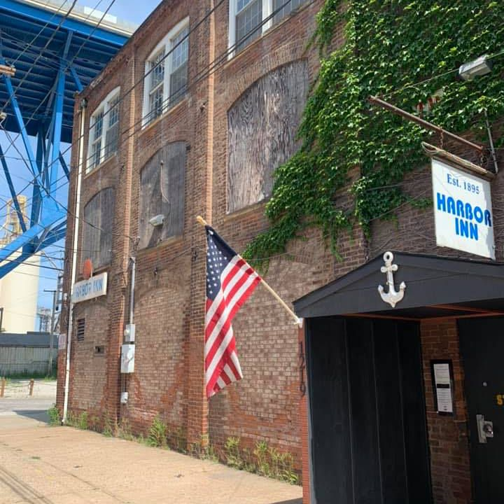 Ohio Dive Bar