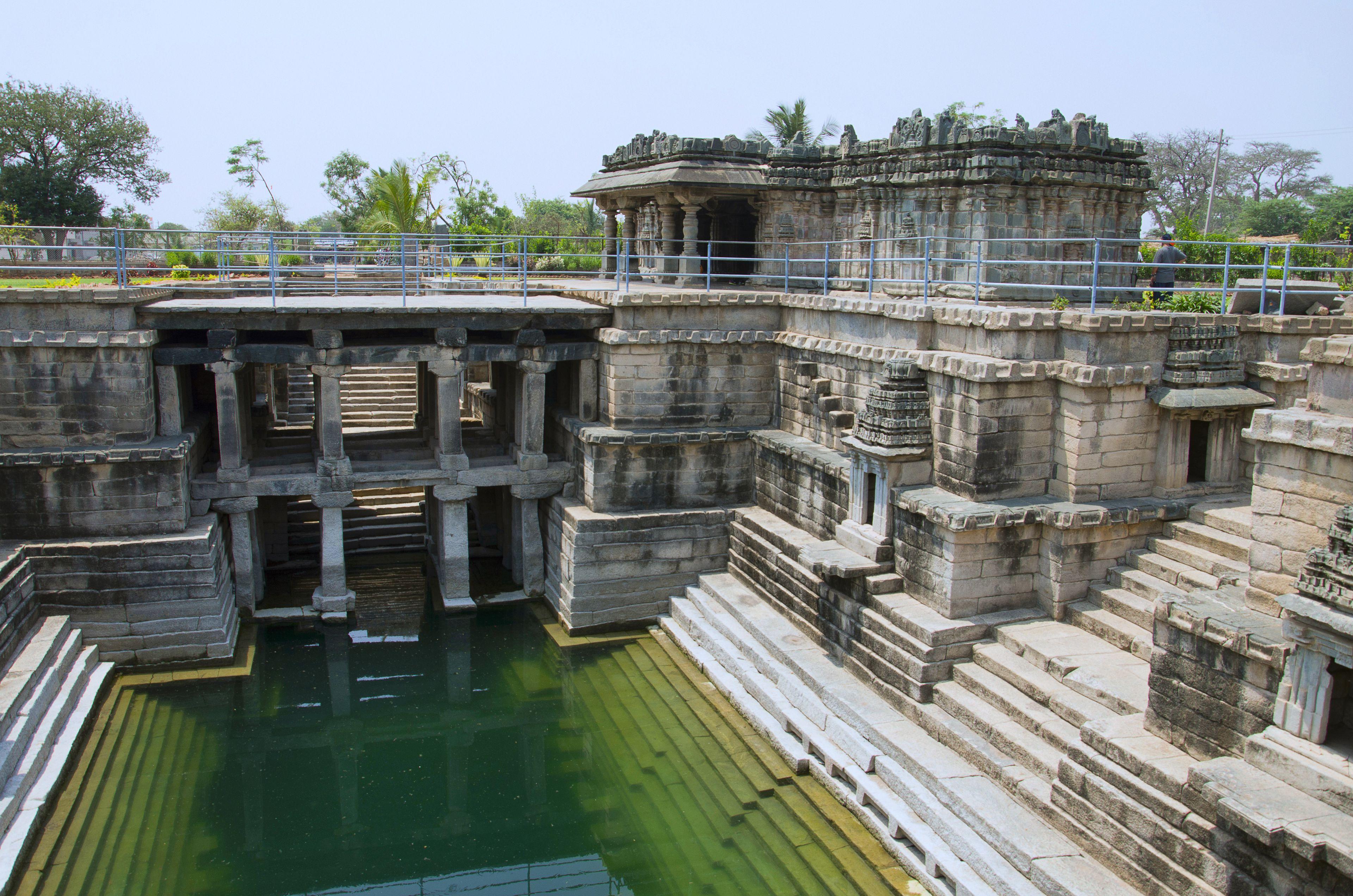 Muskin Bhanvi, Near Manikesvara Temple, Lakkundi, Karnataka, India