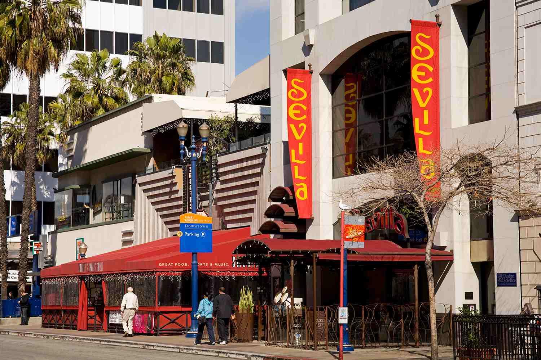 Pine Avenue, Long Beach City, Los Angeles