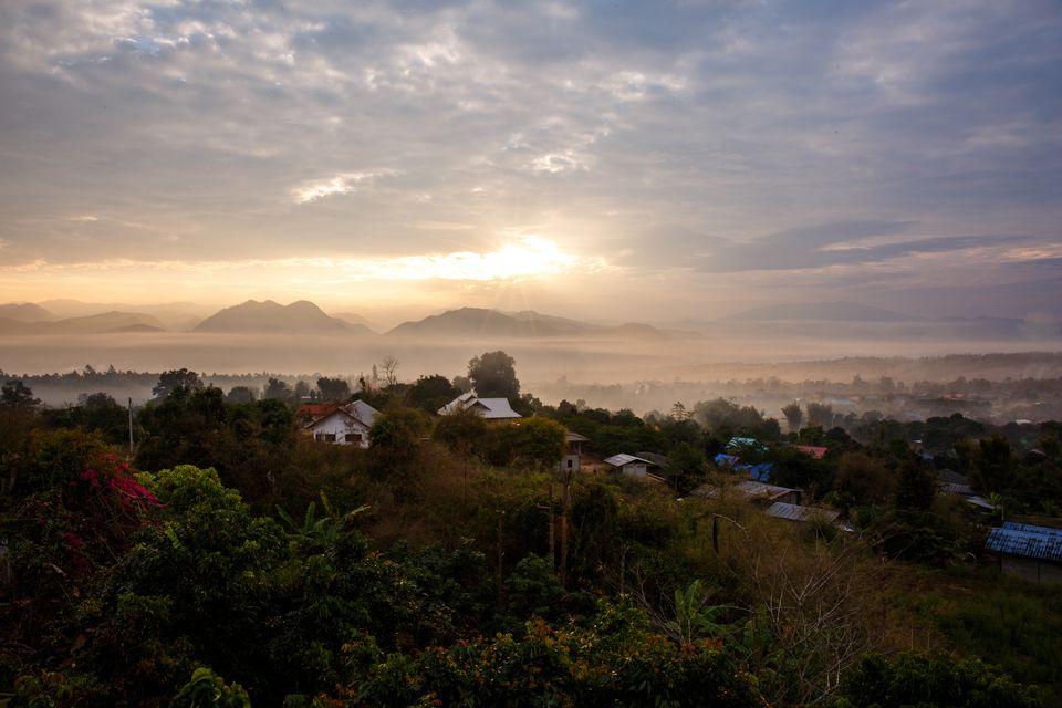 Amanecer sobre Pai, Mae Hong Son, Tailandia