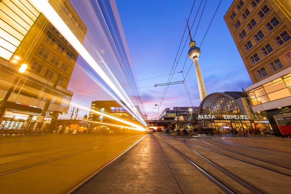 Alexanderplatz y tranvía de Berlín