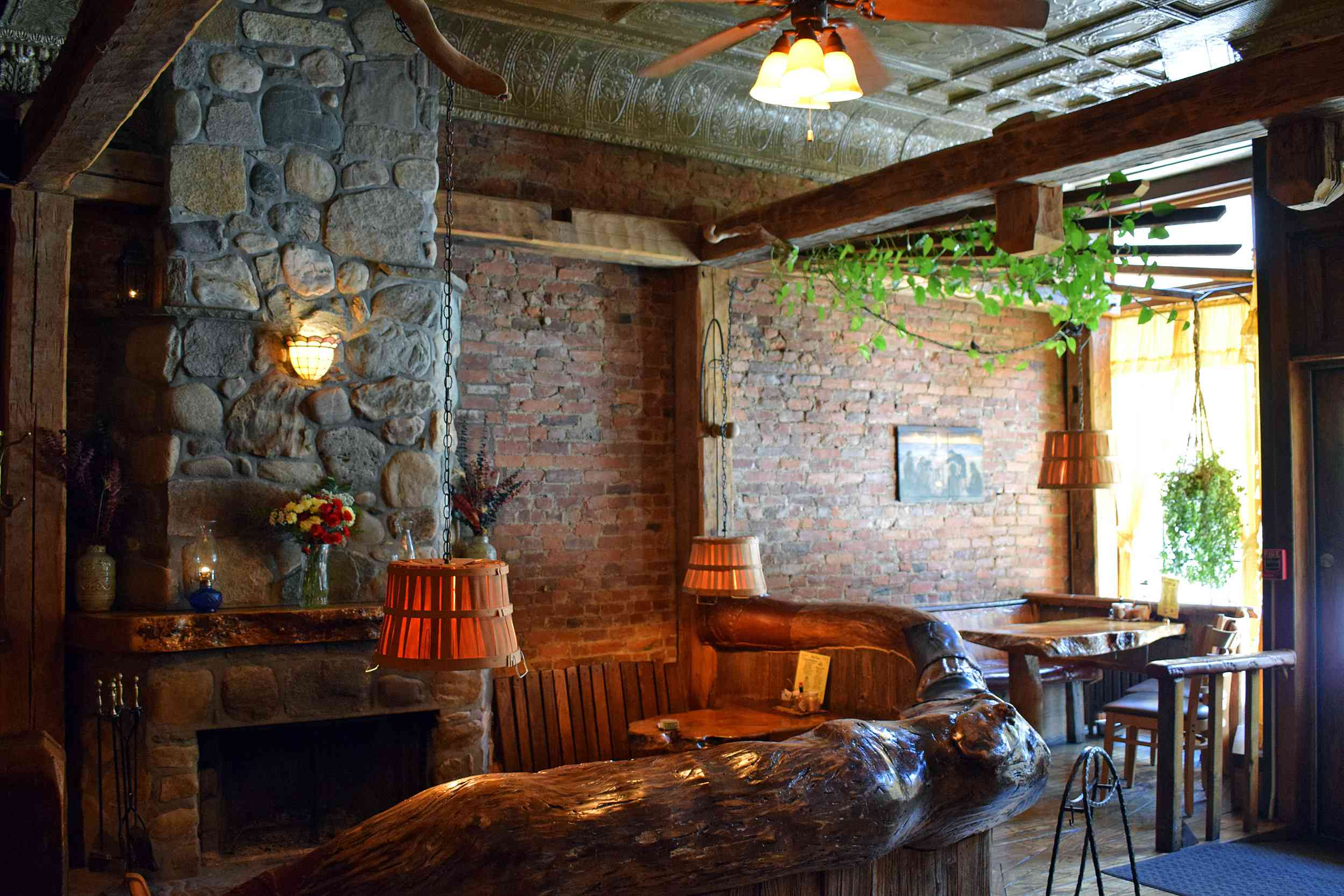 The Yellow Deli 24-hour Restaurant Rutland VT
