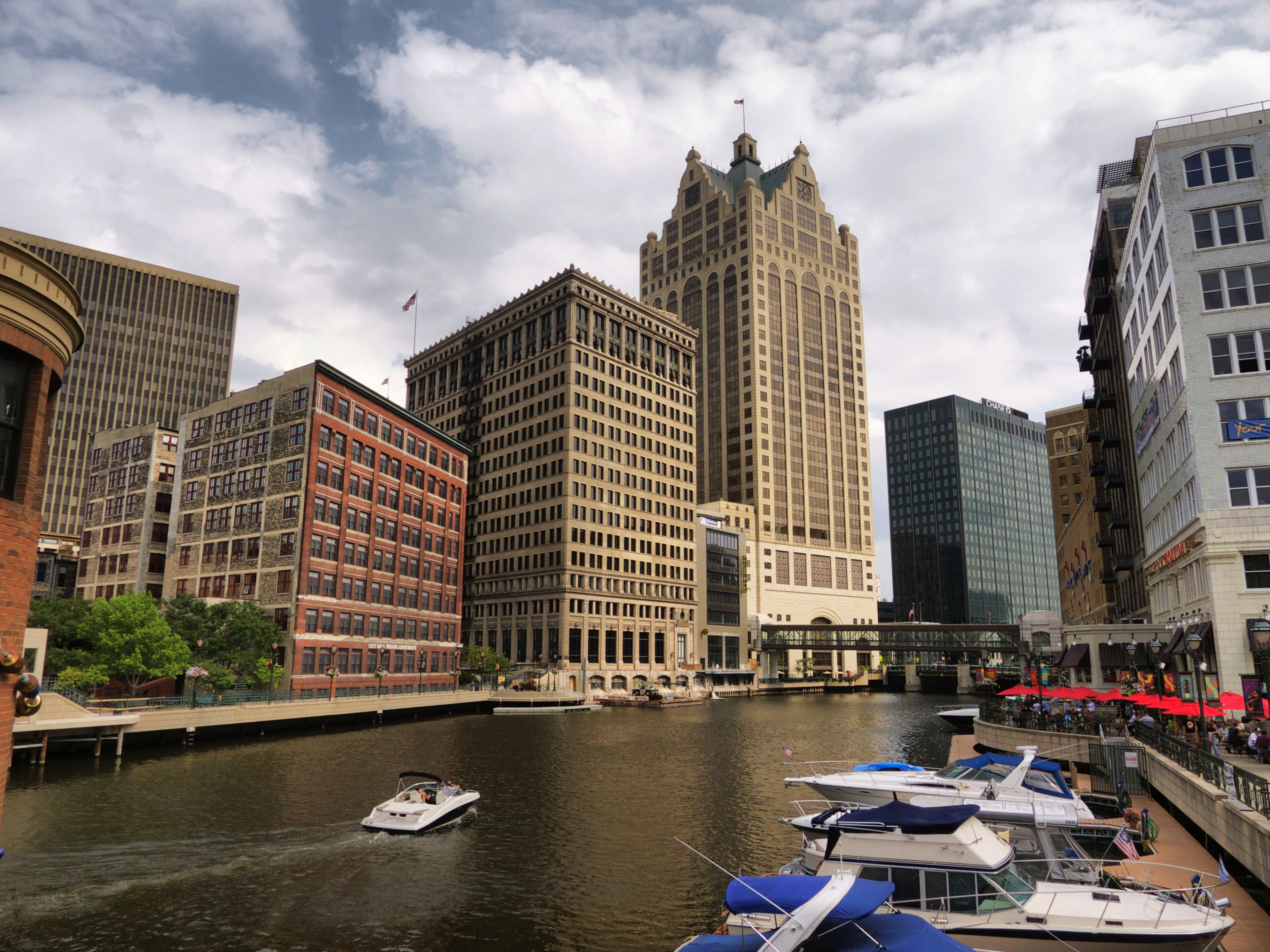 Learn About Average Monthly Temperatures in Milwaukee