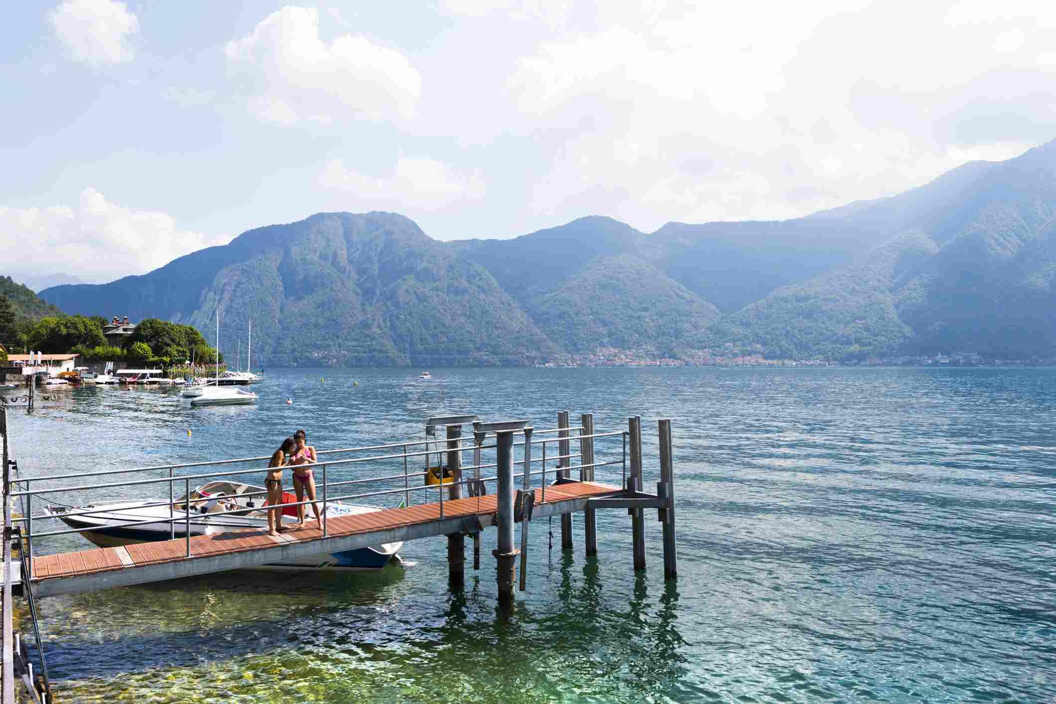 Tourists in Ossuccio, Lago di Como Italy