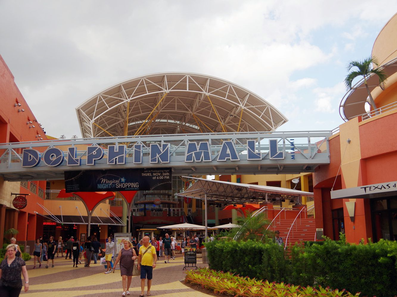 lincoln city outlet mall stores