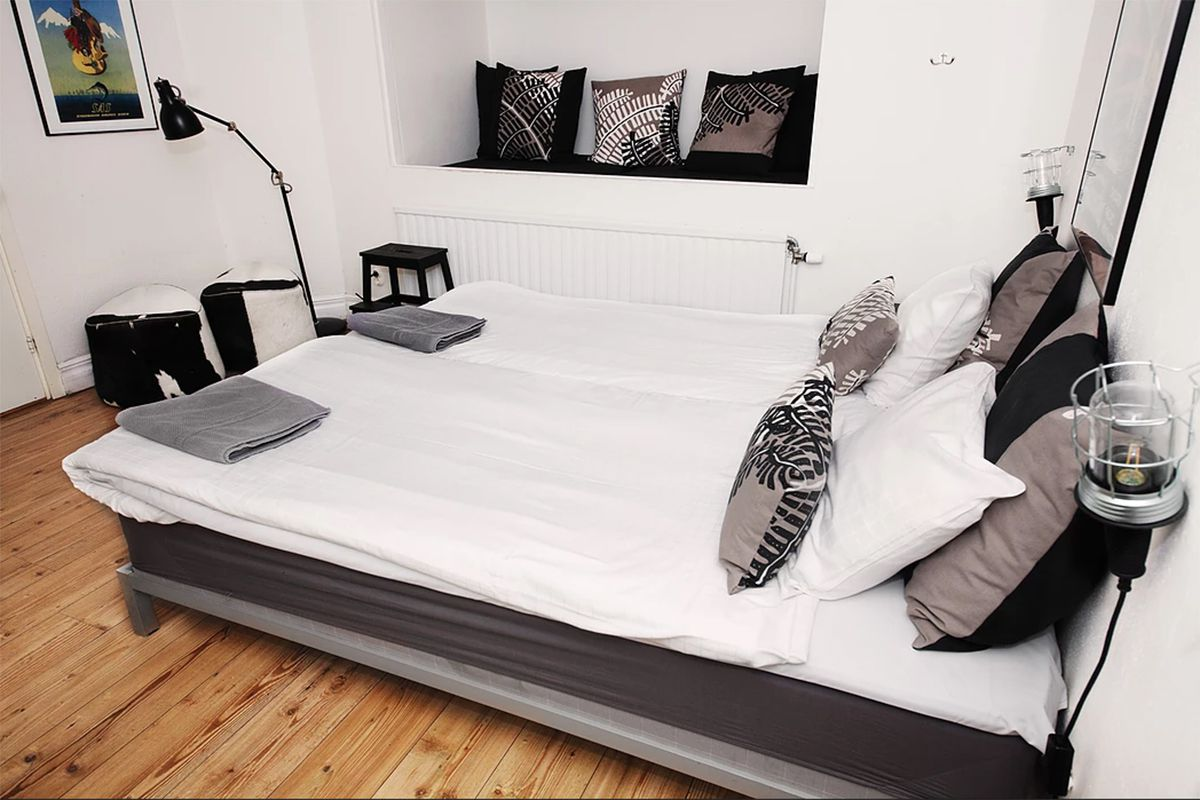 Two bed private room with ensuite at City Backpackers Hostel