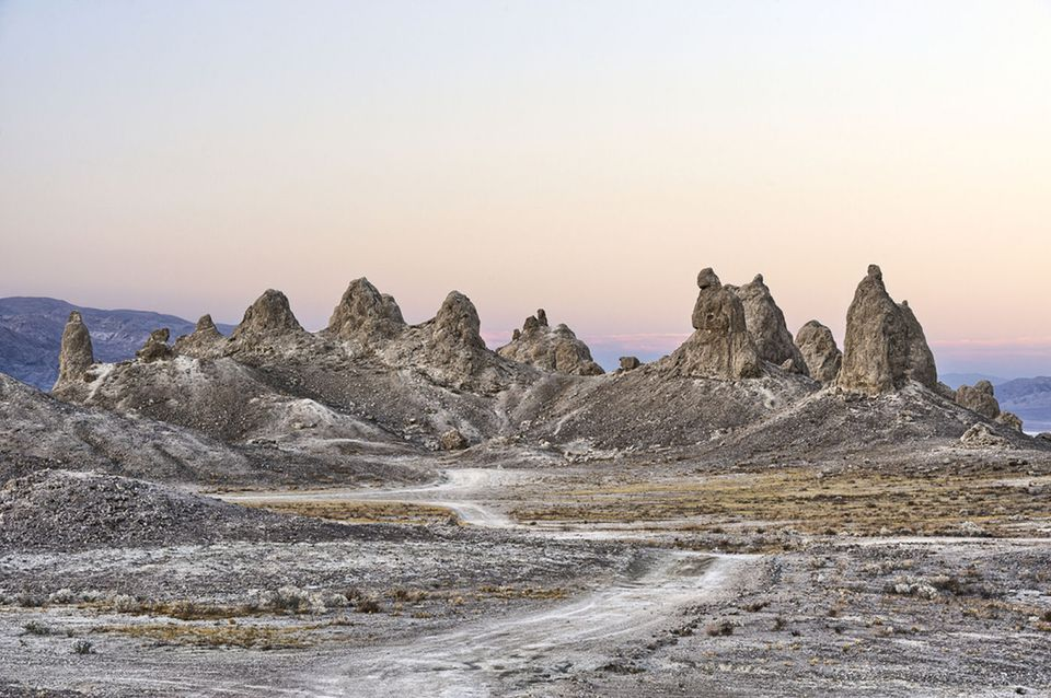 trona-pinnacles
