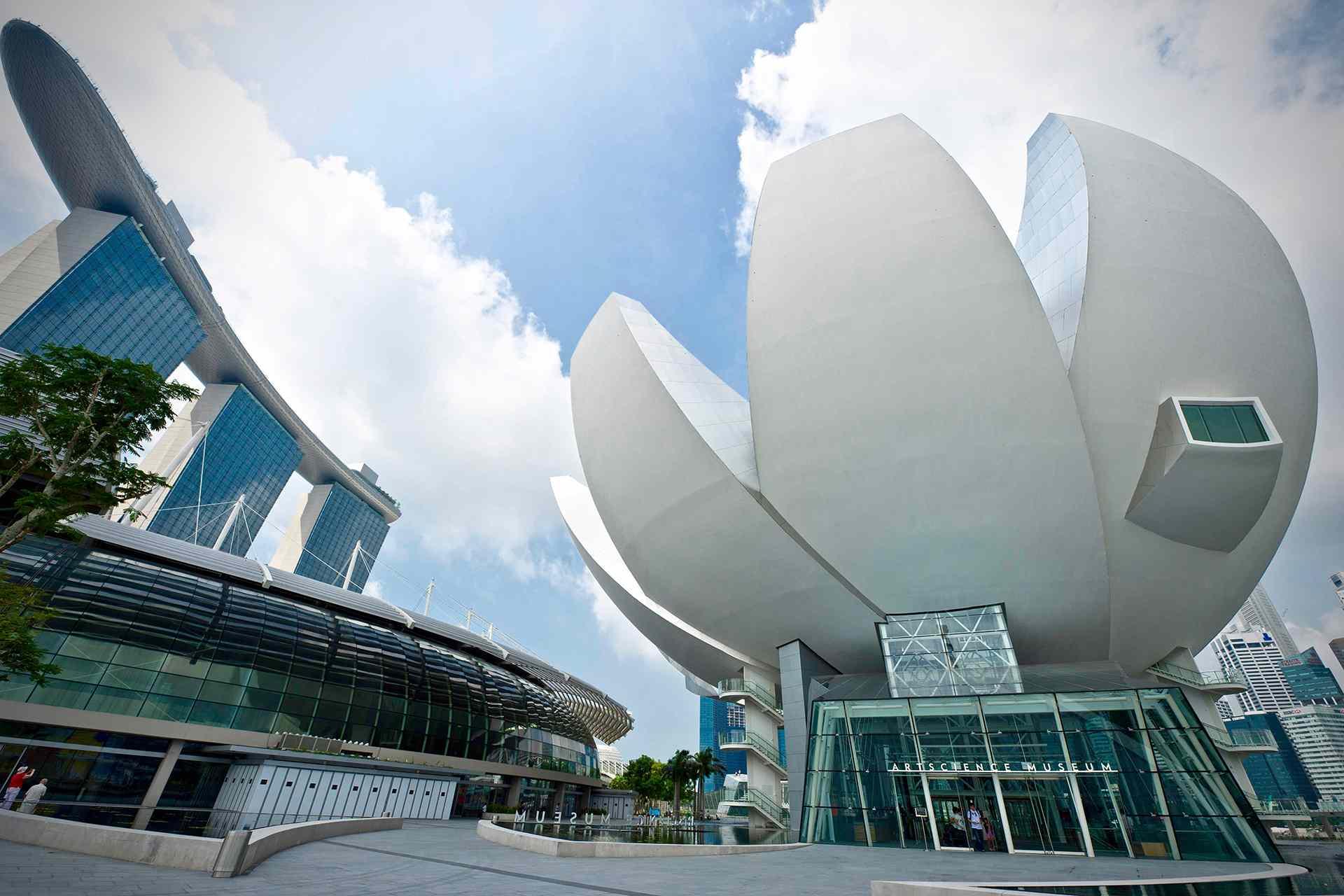 ArtScience Museum in front of Marina Bay Sands