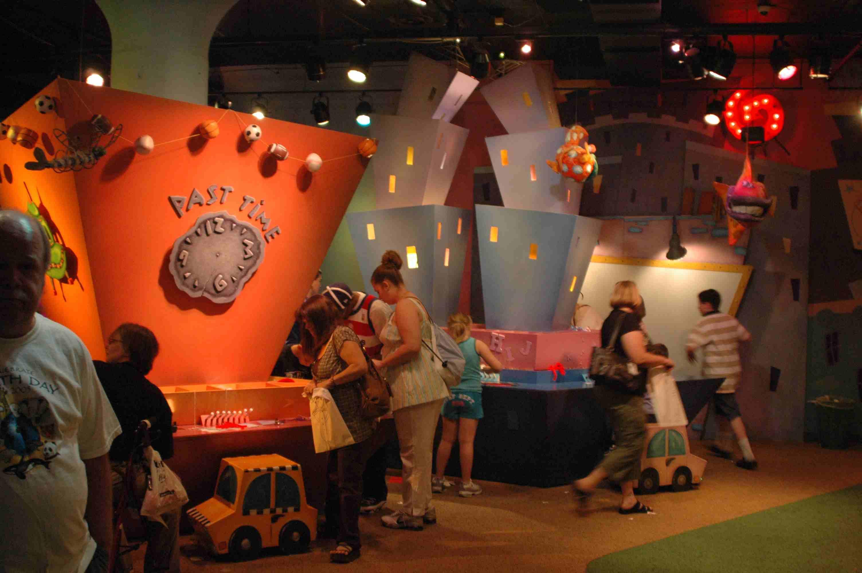 Families playing at Kaleidoscope in Kansas City
