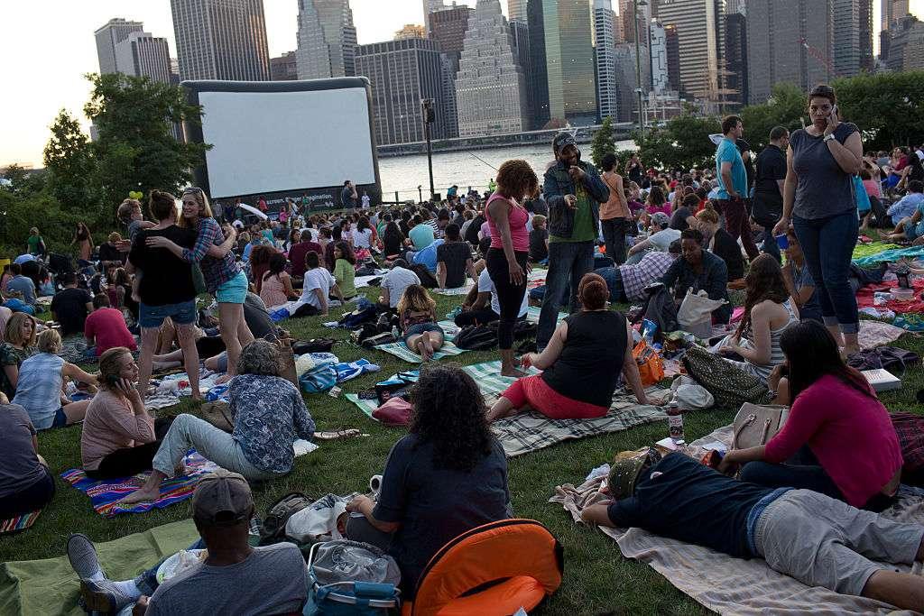 Brooklyn bridge park free movie