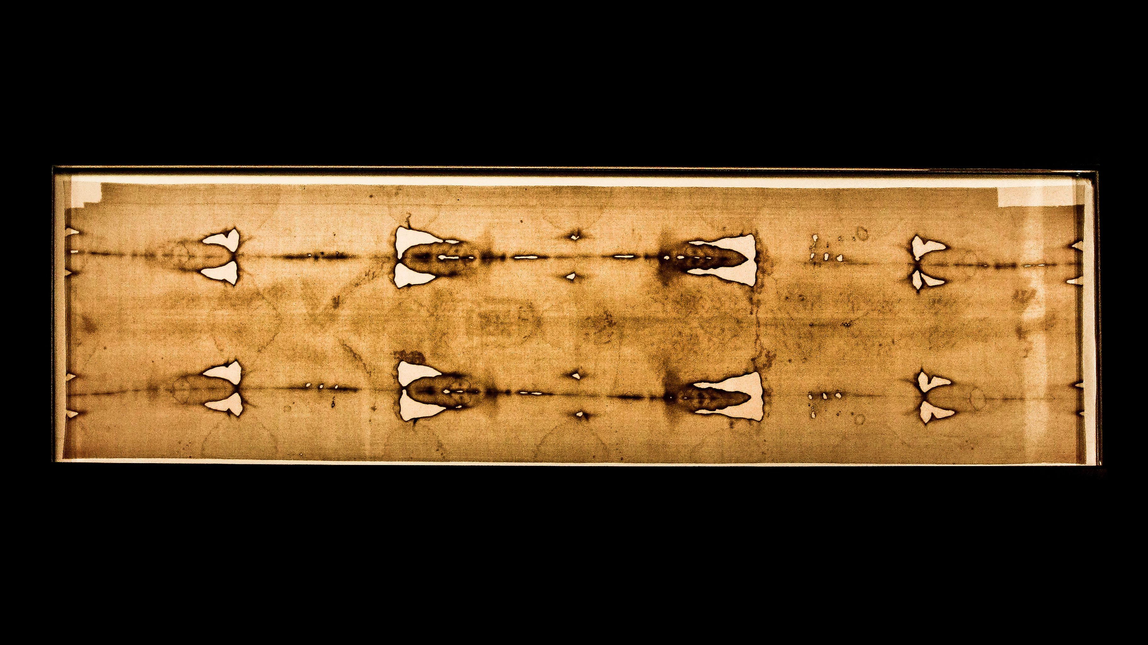 Visiting the Shroud of Turin in Turin (Torino) Italy