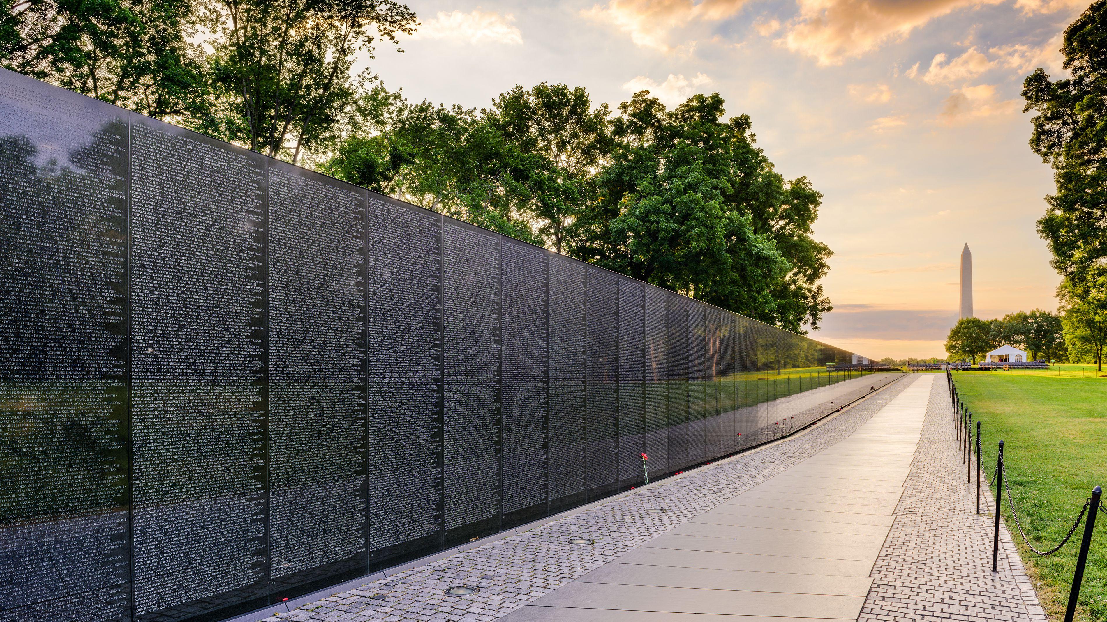 Full View Of The Vietnam Veterans Memorial