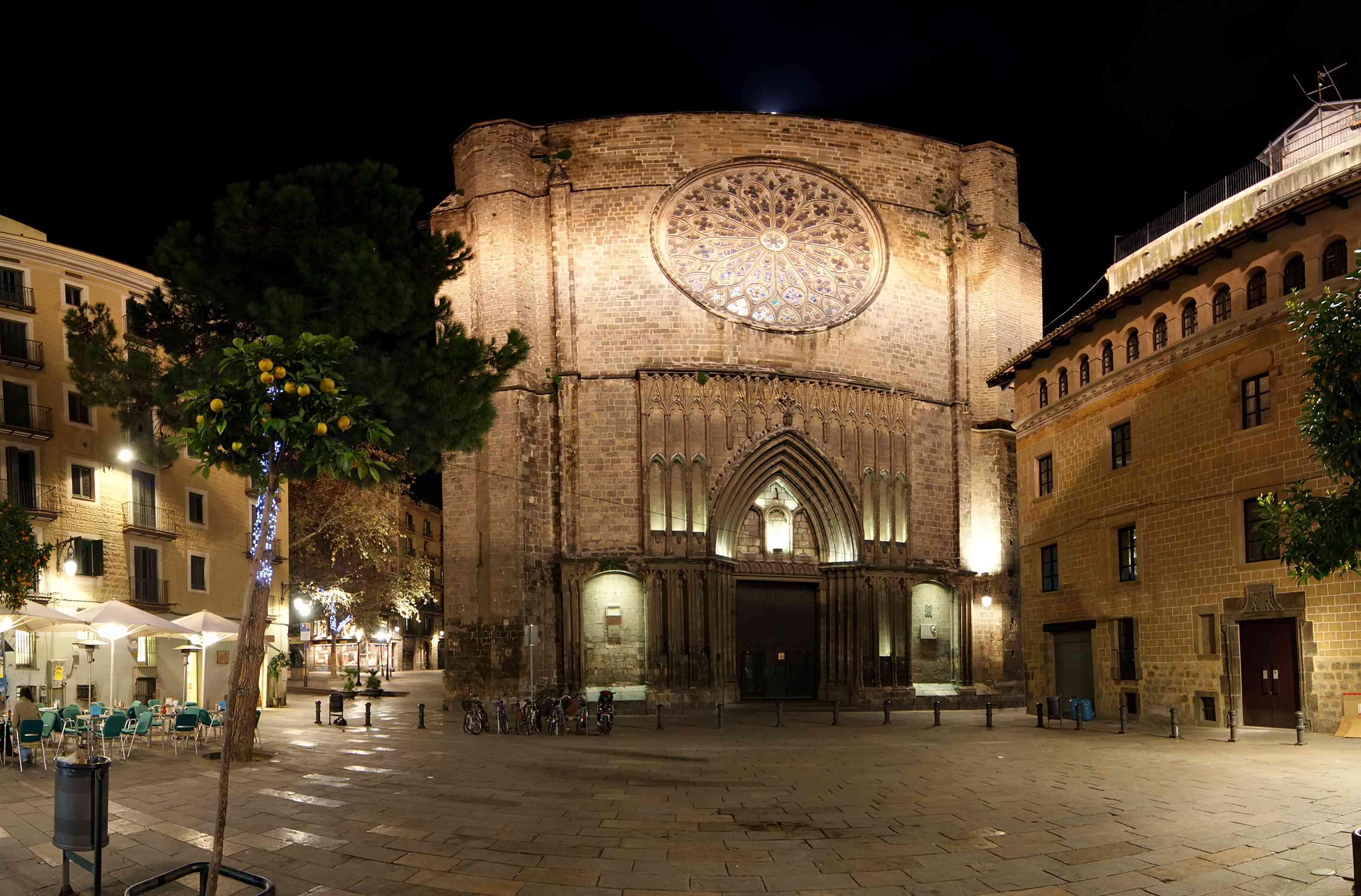 Main facade of Santa Maria del Pi at night --Barcelona