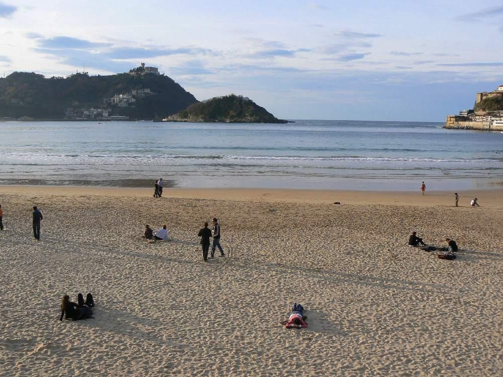 Playa de la ciudad de San Sebastián en España