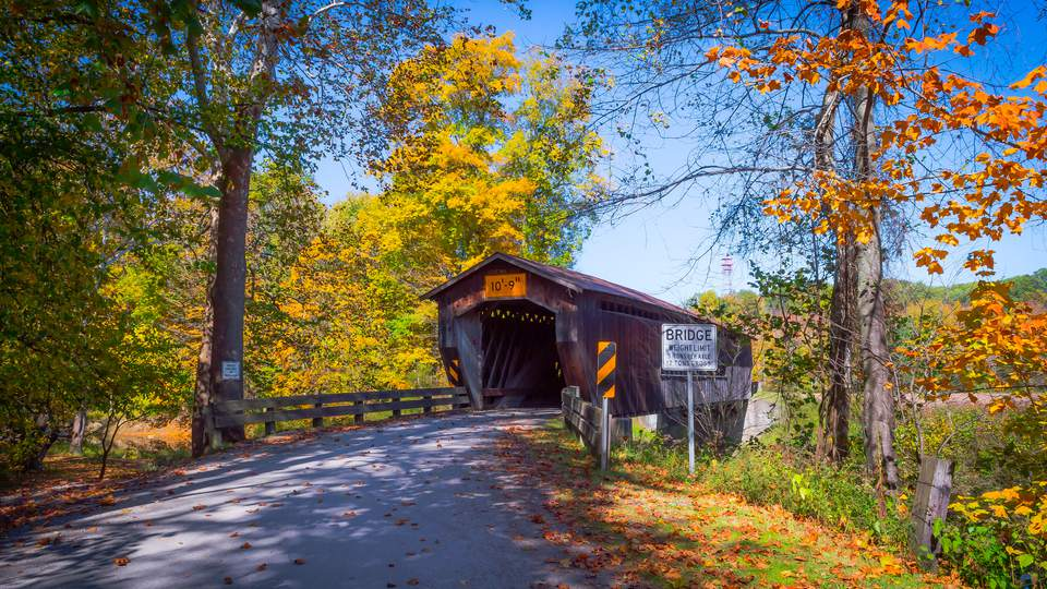 best places to see fall foliage in northeast ohio