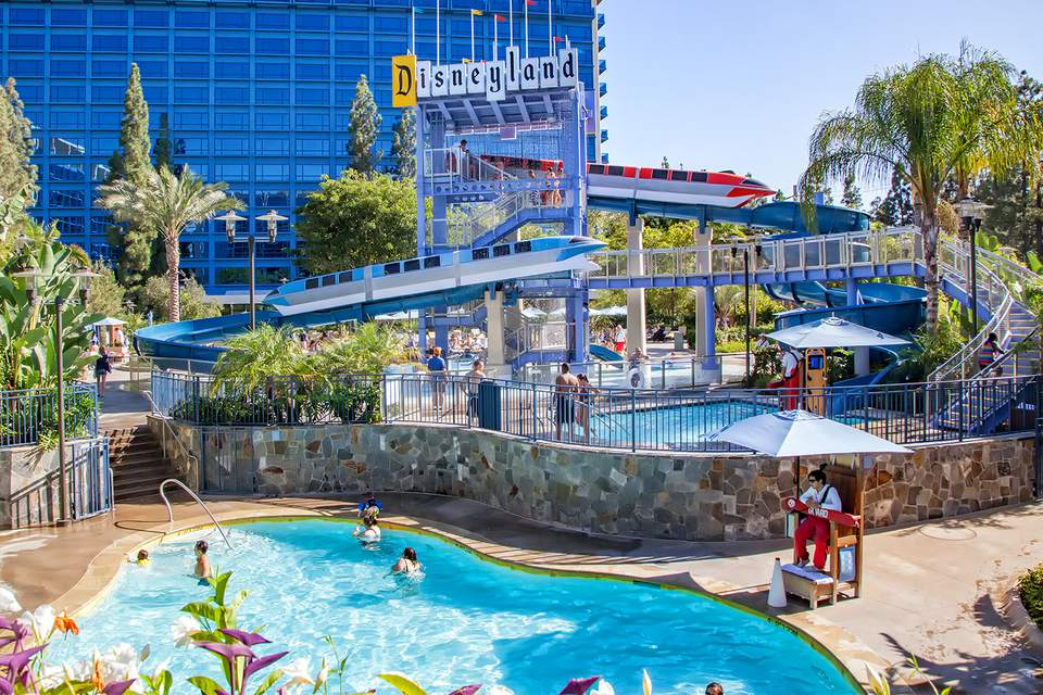 Proven insider tips for visiting the disneyland hotel - Best hotel swimming pools in california ...