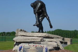 Cobbers statue commemorating the devastating loss of so many Australians at the Battle of Fromelles