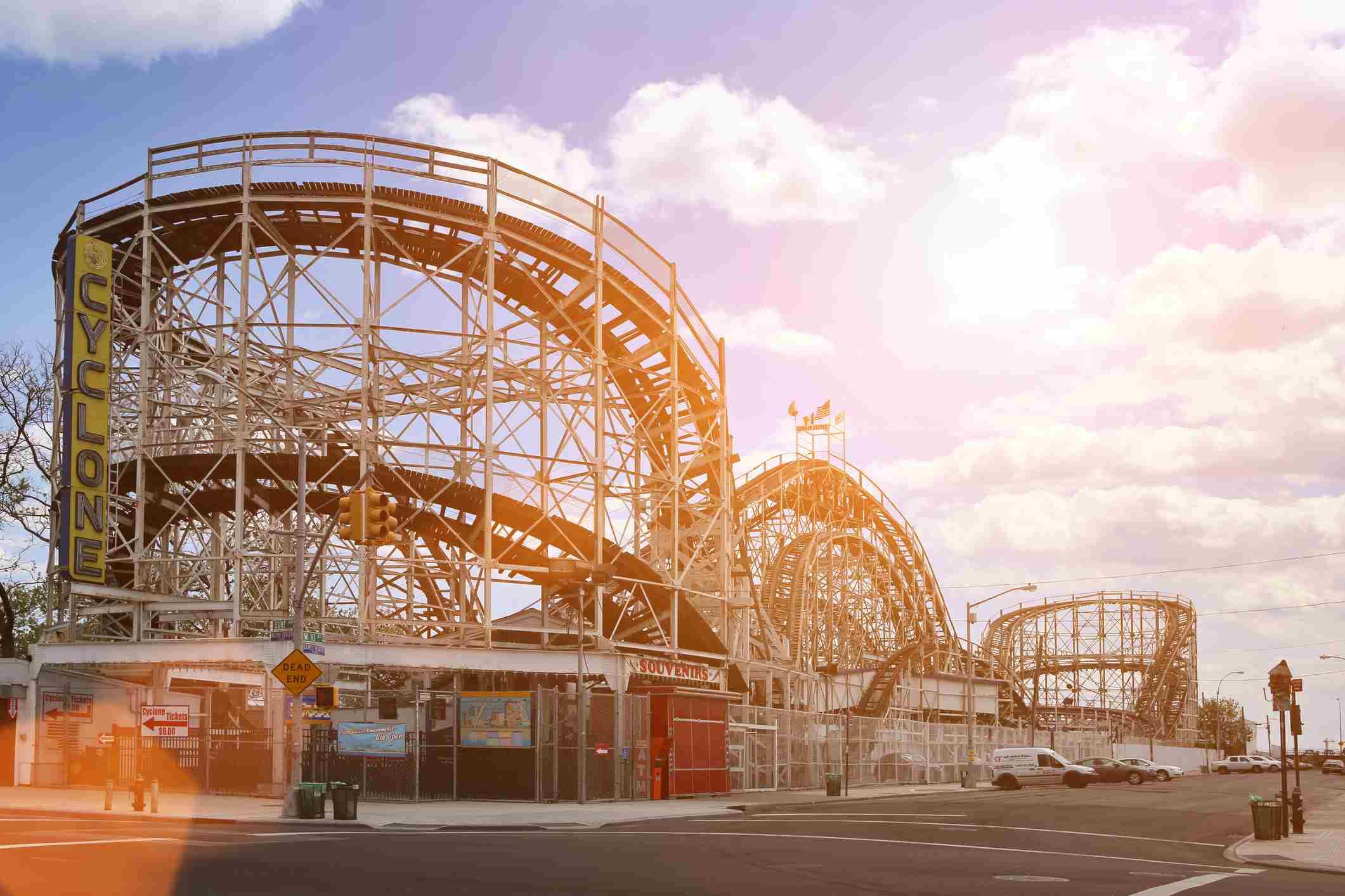 The Cyclone Roller Coaster en Coney Island, Nueva York