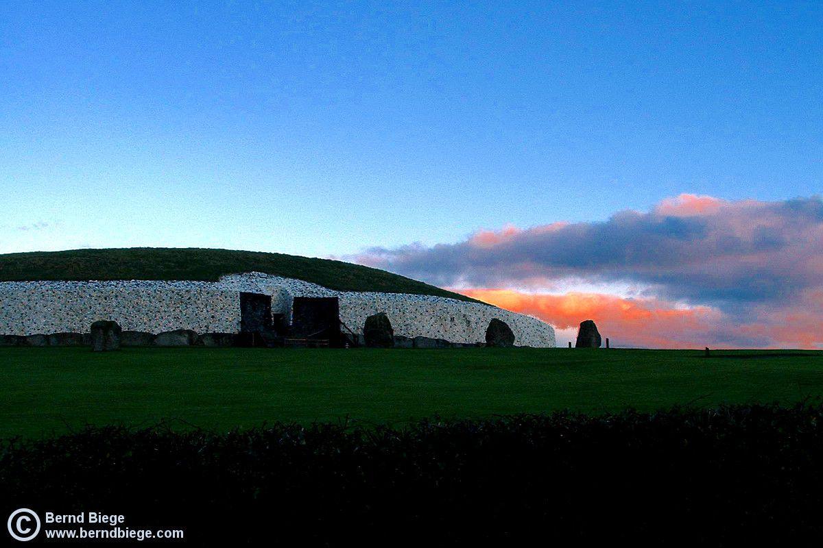 Newgrange, Shortly After Dawn.
