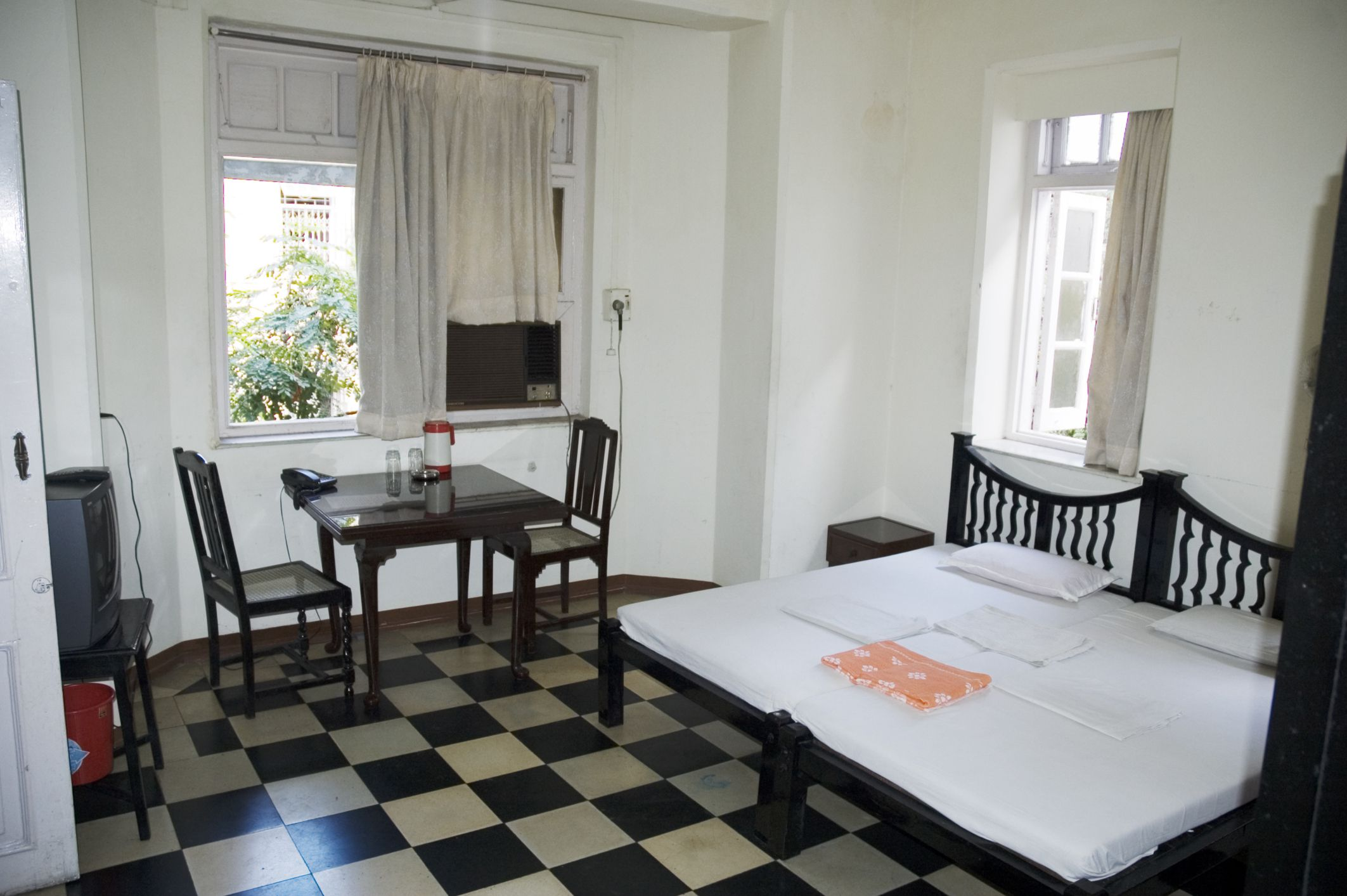 Top 8 Mumbai Cheap Hotels and Guest Houses