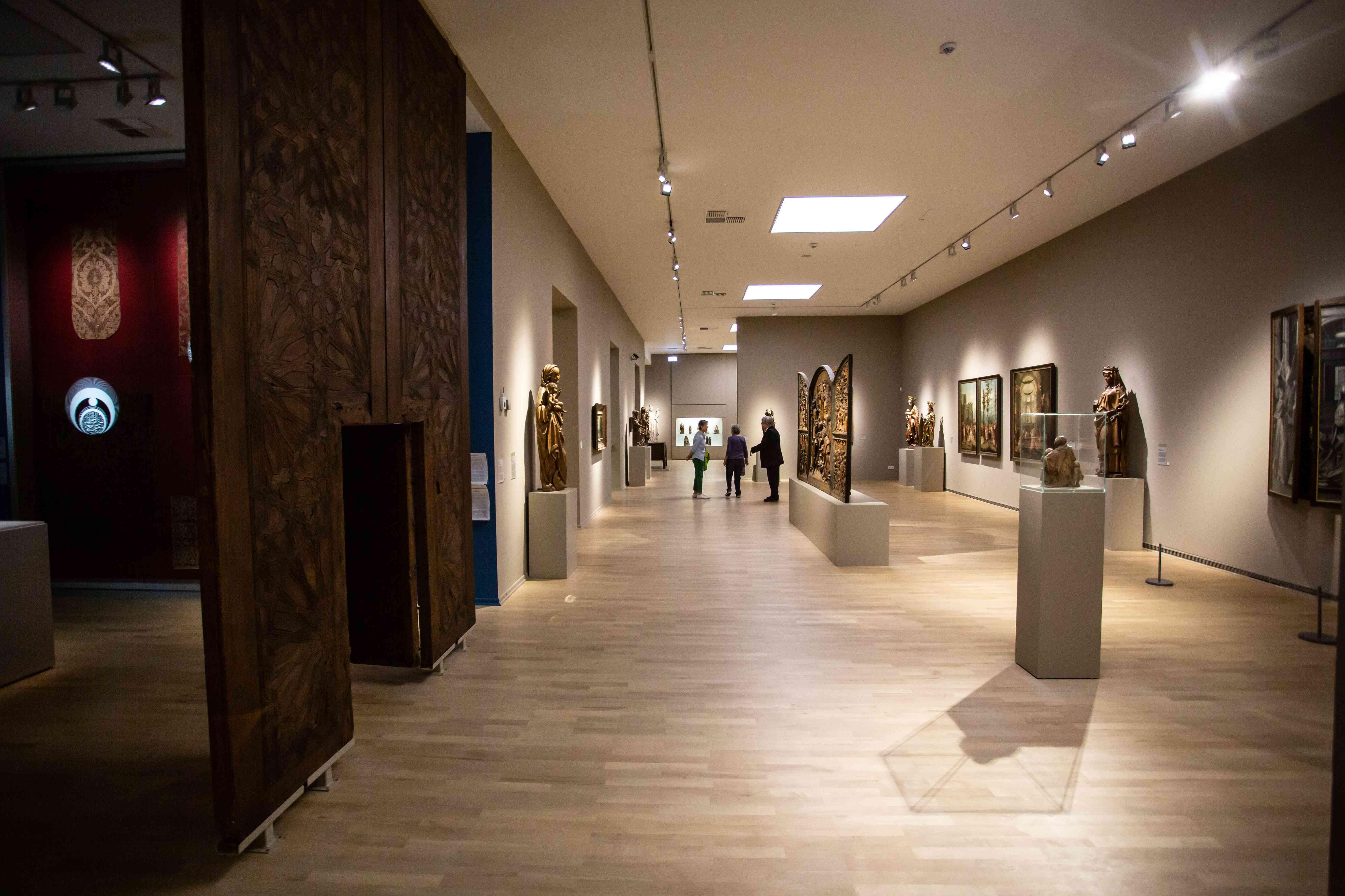 Exhibit rooms inside Kunstplatz