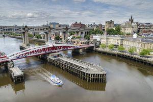 Newcastle-upon-Tyne, Tyne River and skyline