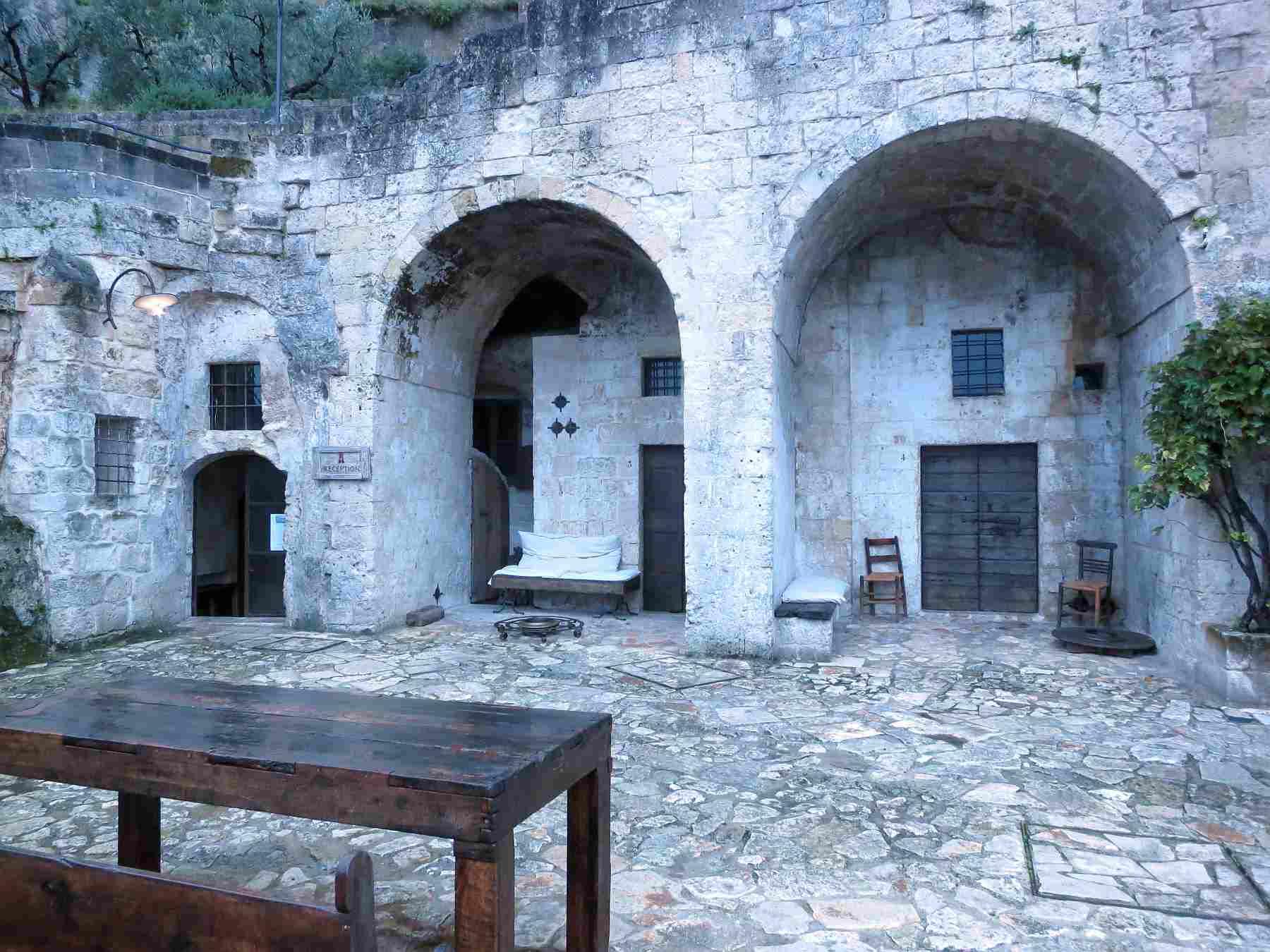 Cave Hotel Entrance Photo