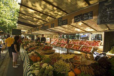Mercado orgánico de Batignolles en París