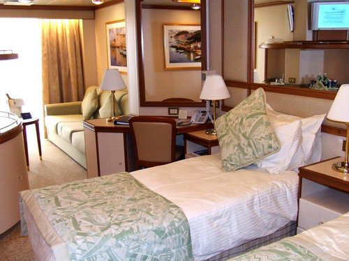 Emerald Princess Cabins - Mini Suite D208 on Dolphin Deck 9