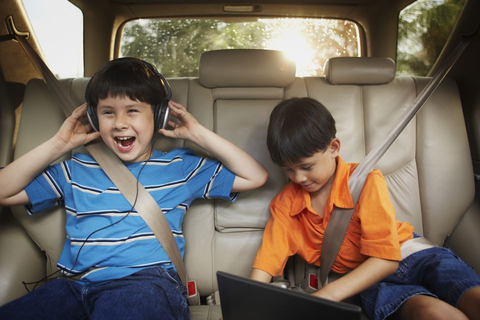Survival Tips for Holiday Road Trips With Kids