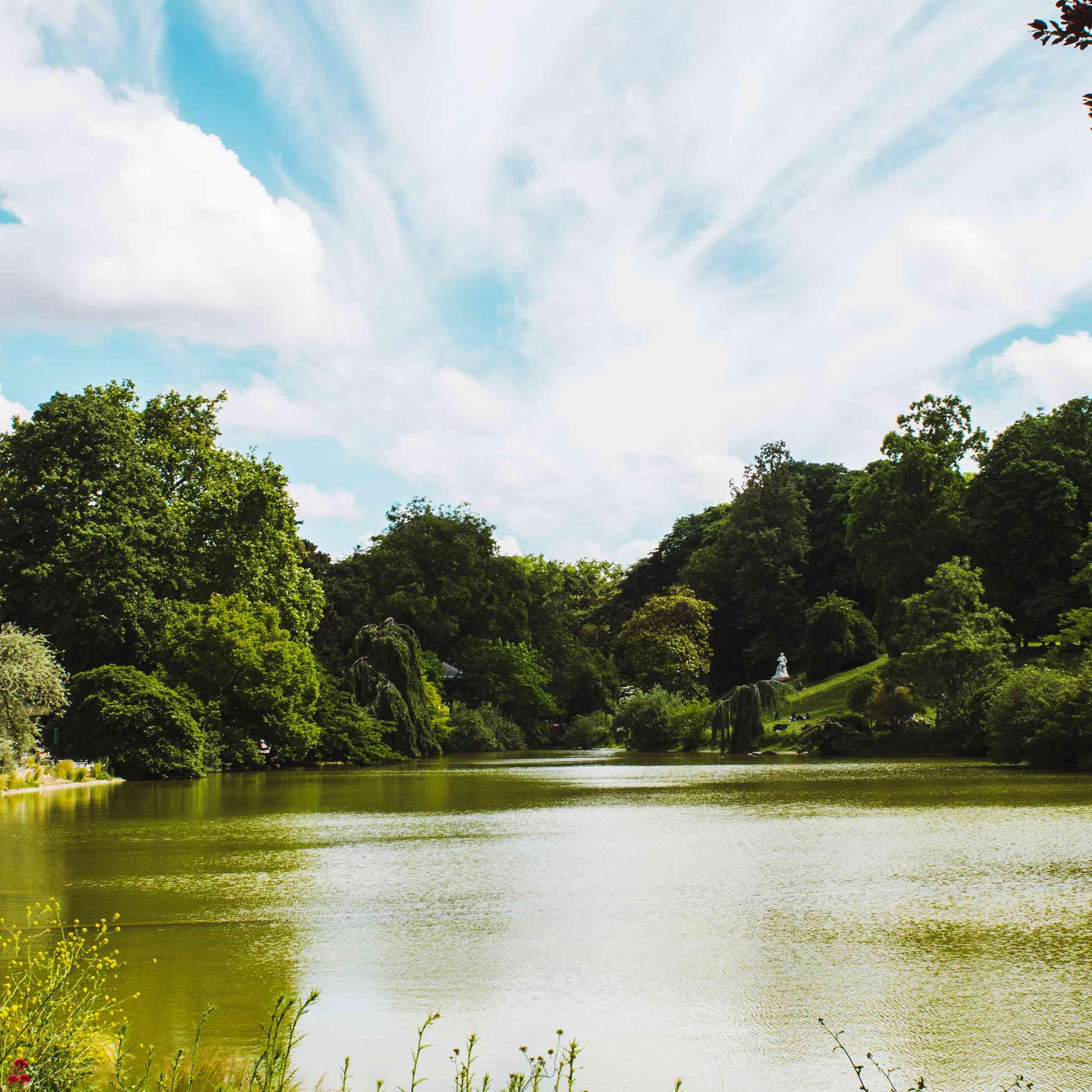 Lake at Parc Montsouris