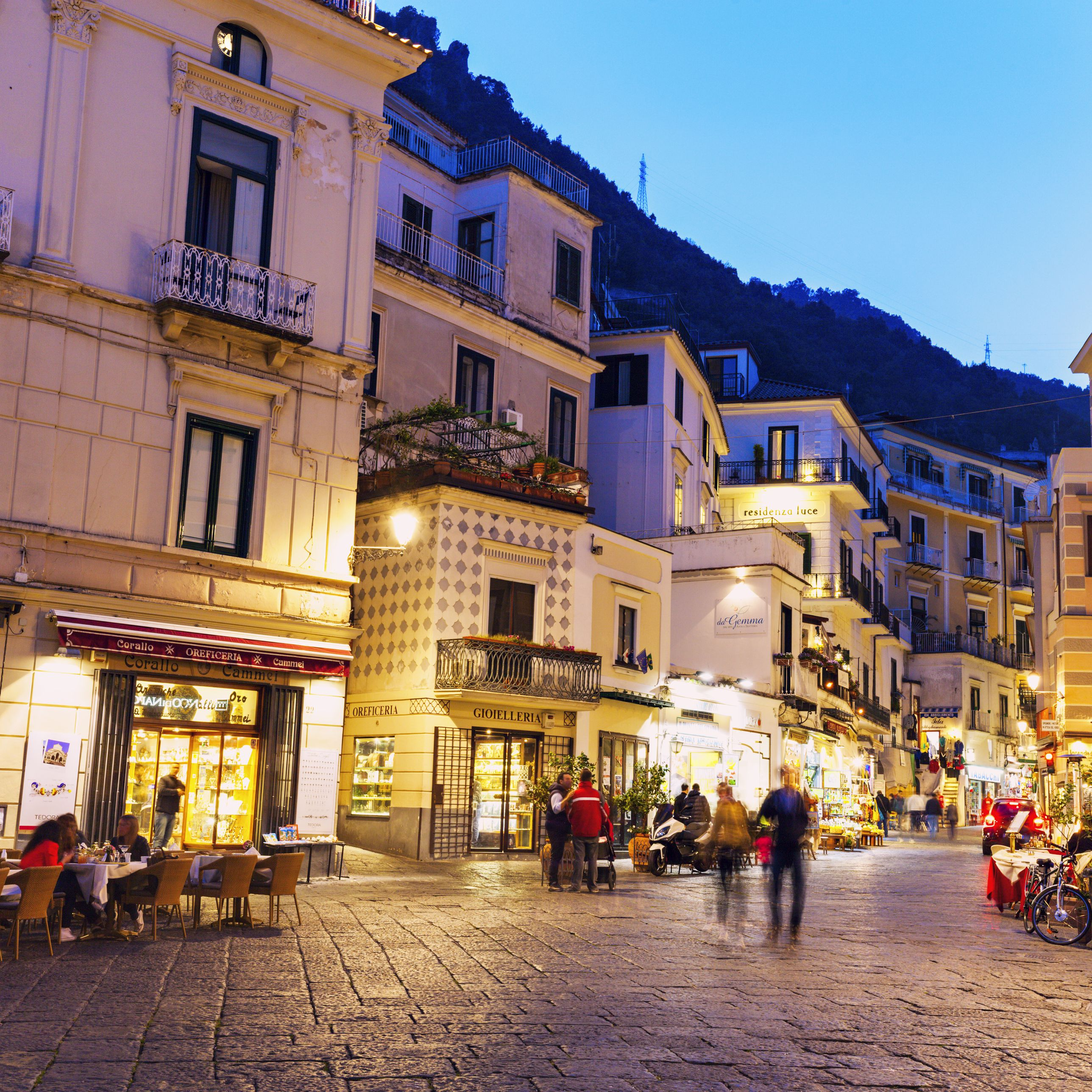 Guide to Shopping in Italy