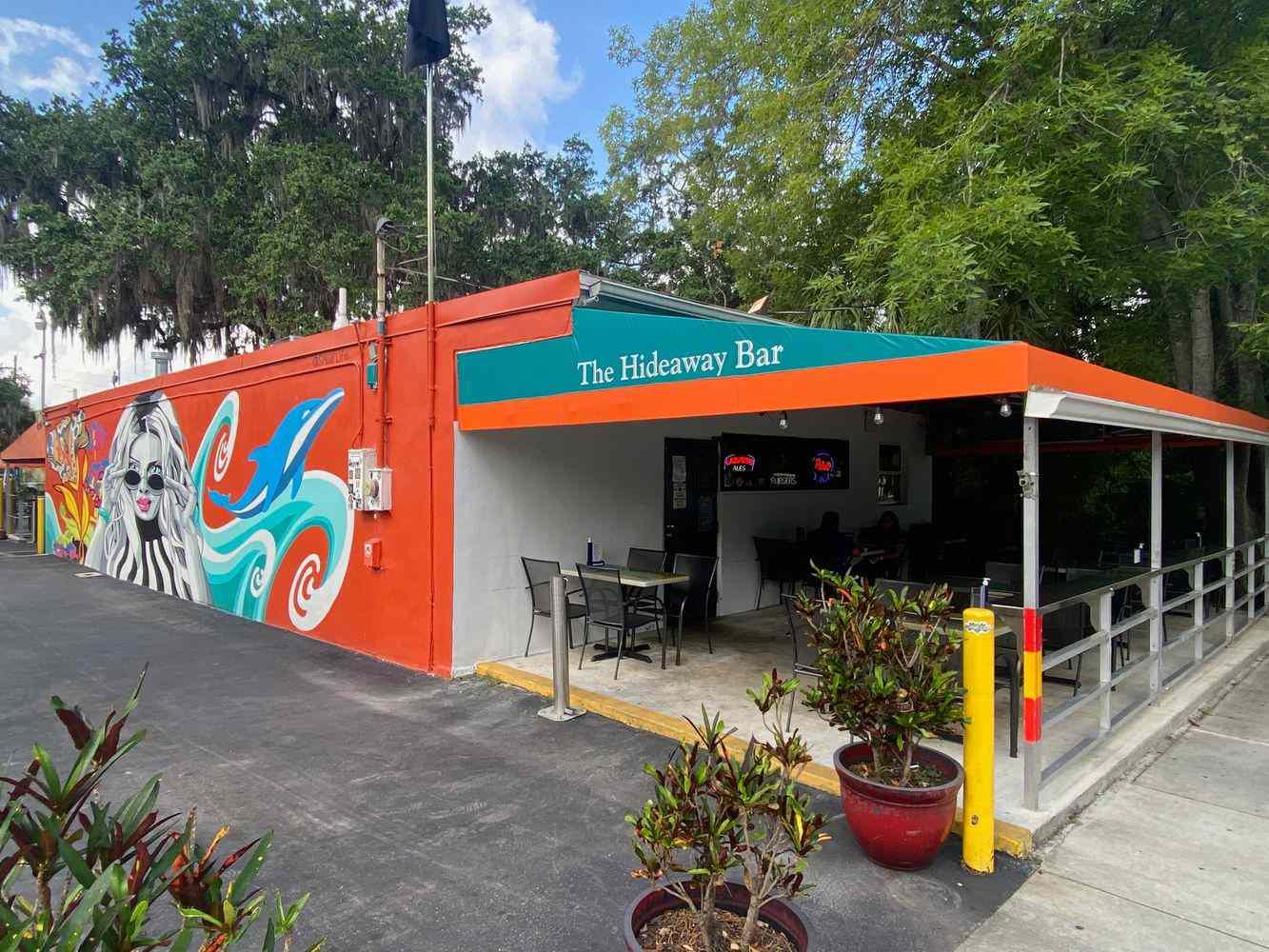 Florida Dive Bar