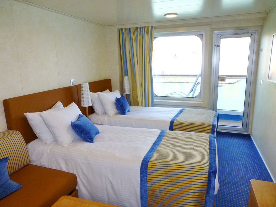 Carnival Breeze Balcony Cabin