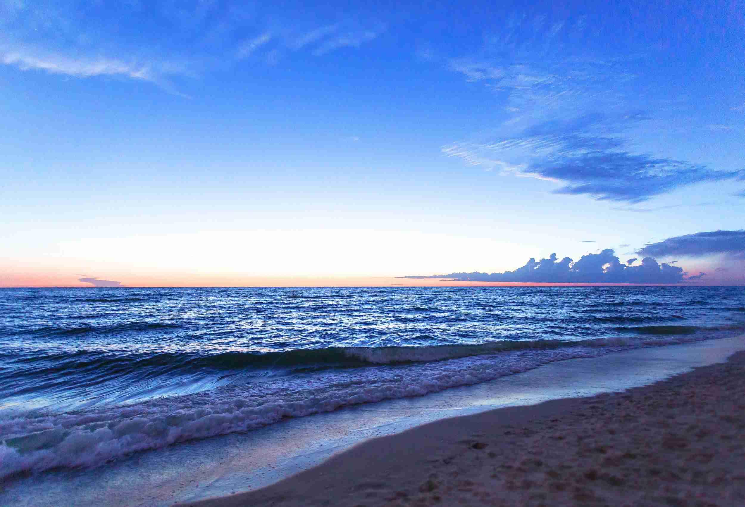 Naples Beach al anochecer