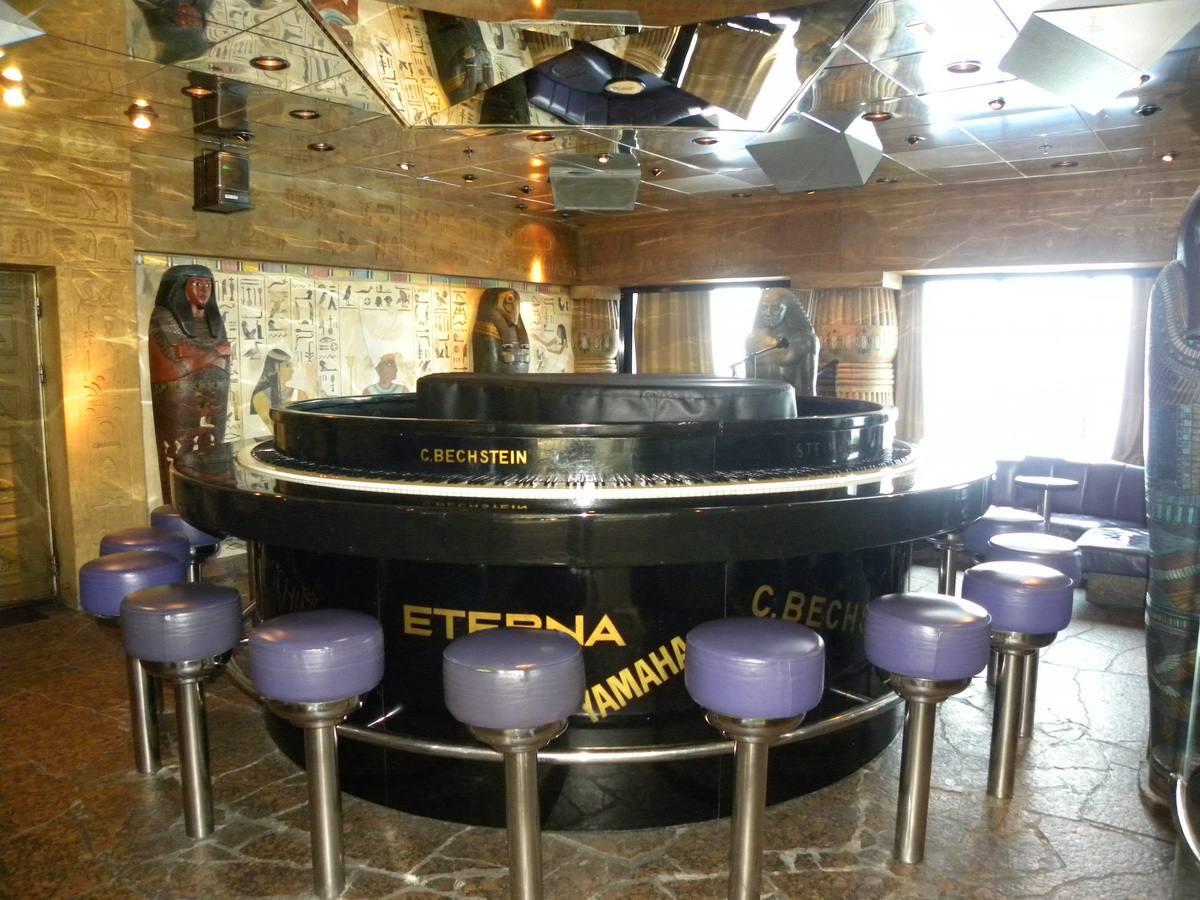 Carnival Fantasy - Cleopatra's Bar