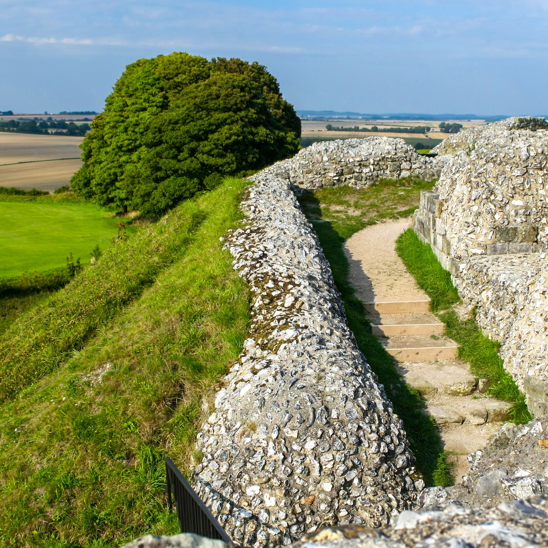 Old Sarum: The Complete Guide