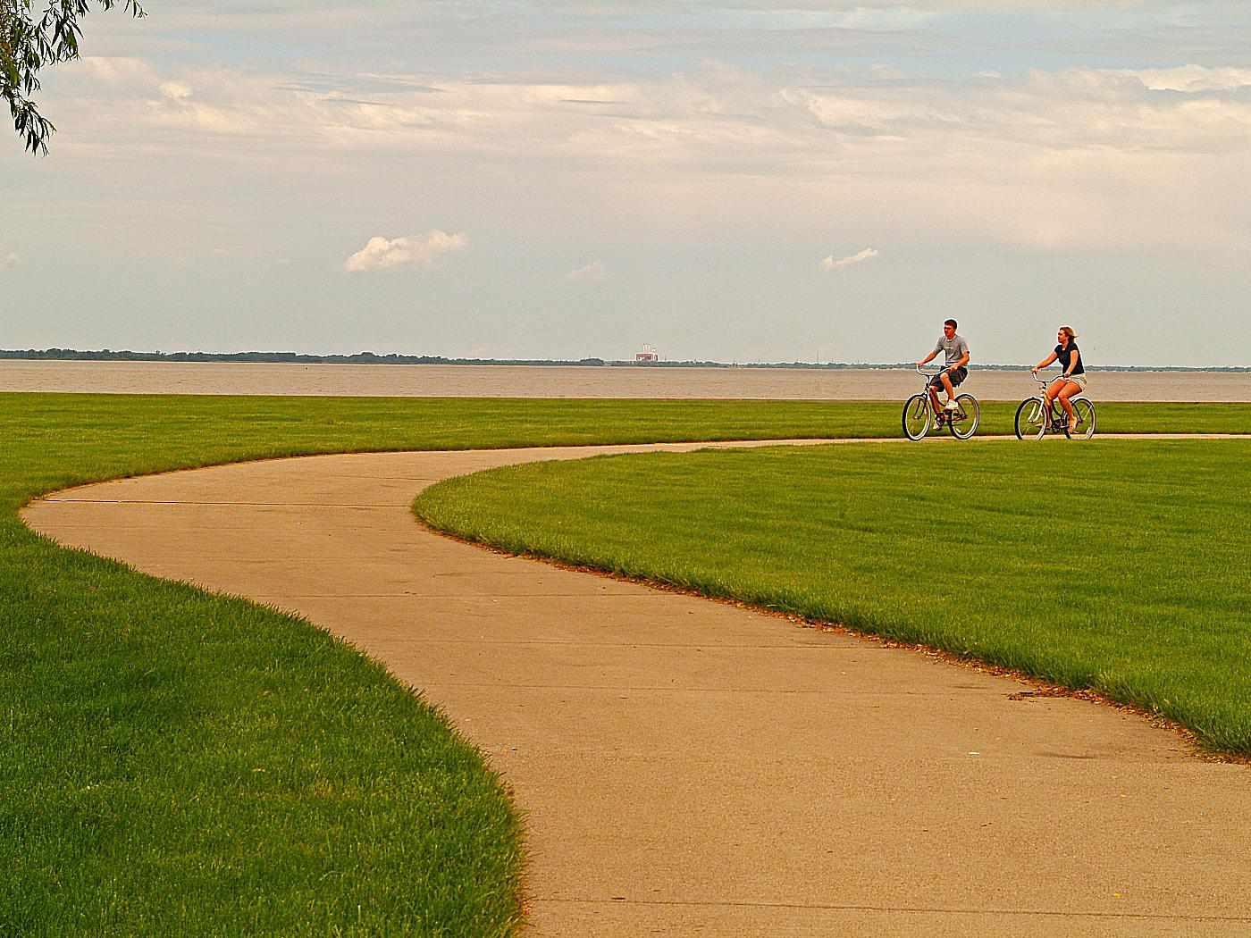 Maumee Bay State Park Lodge bike rentals