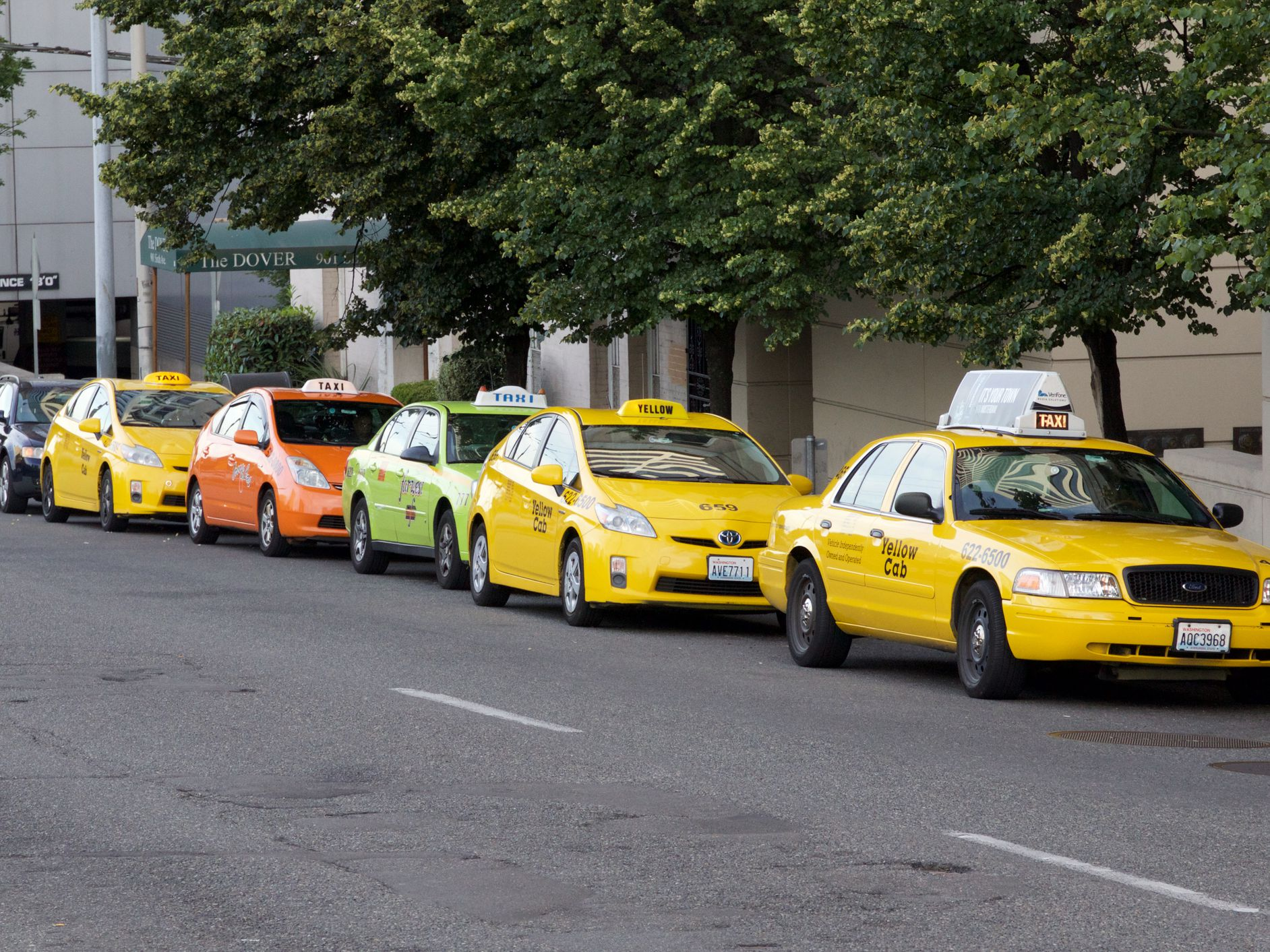 Seattle Taxis, Uber and Lyft - Where and How to Get a Ride