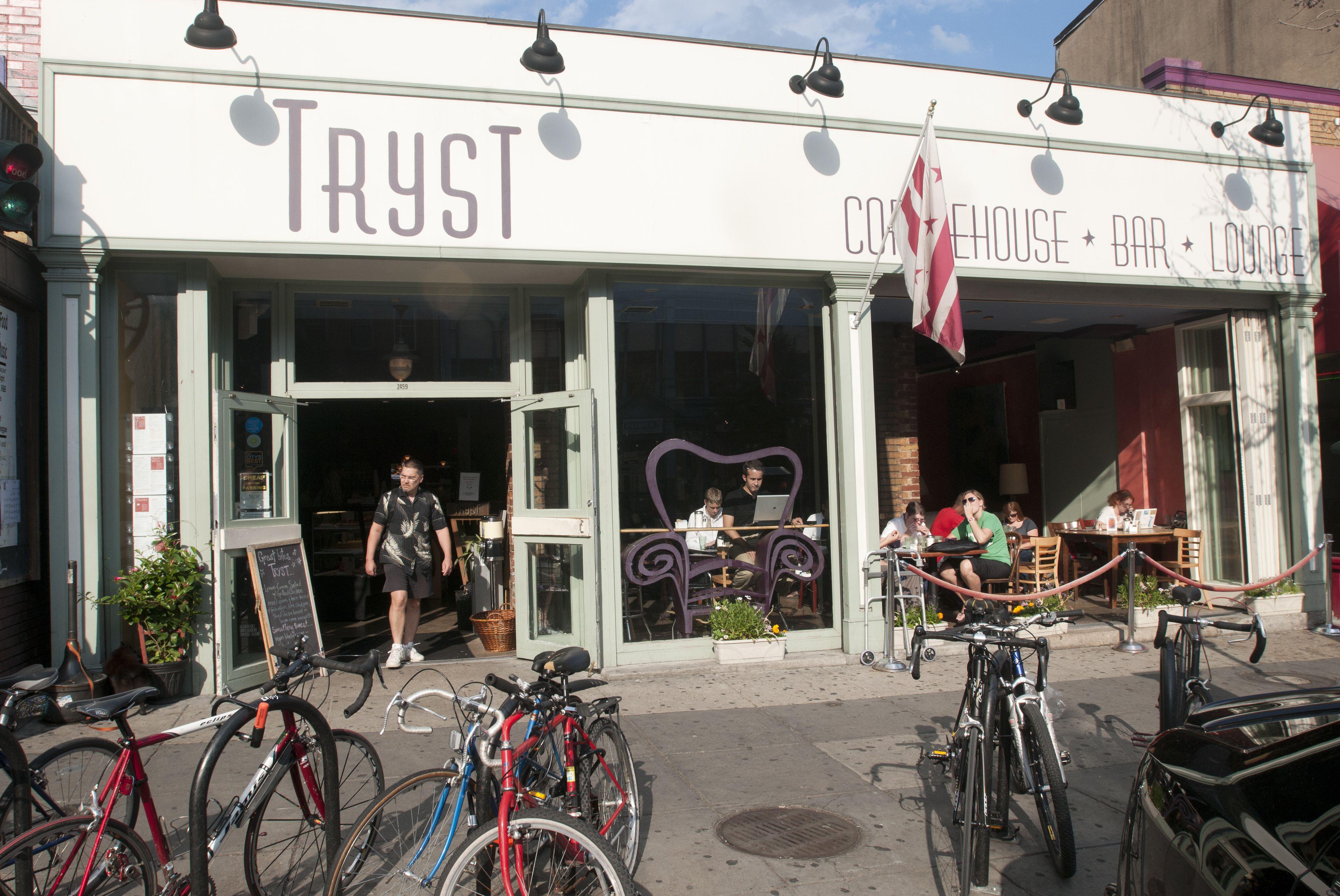 Tryst Coffeehouse en la calle 18 en Adams Morgan