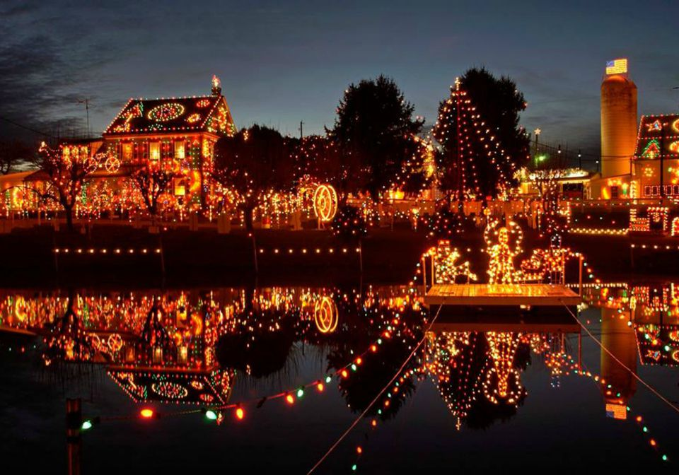 natchitoches la christmas festival of lights natchitoches is a small town - Small Town Christmas