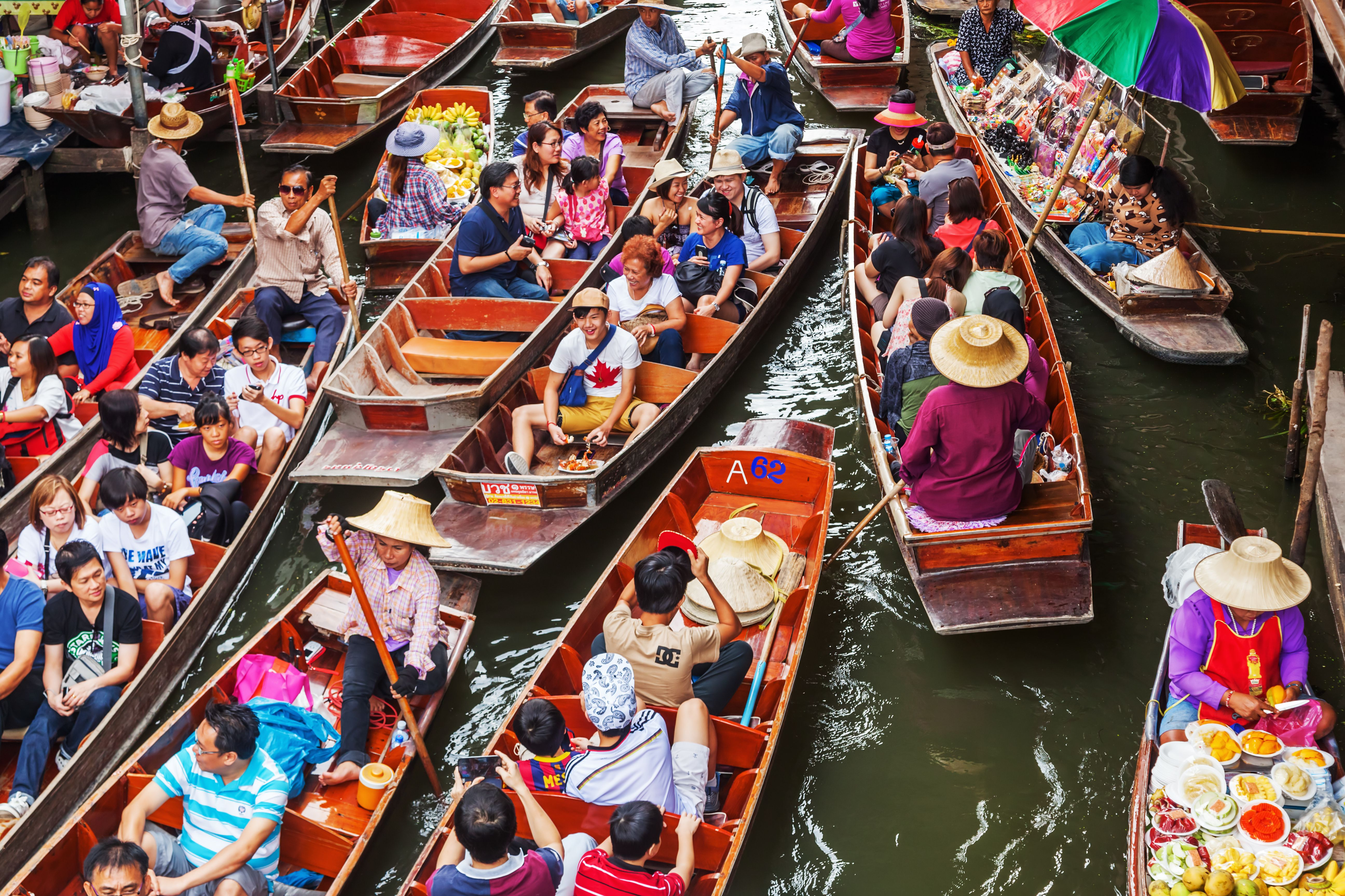 Crowded boats at the floating market in Bankgok